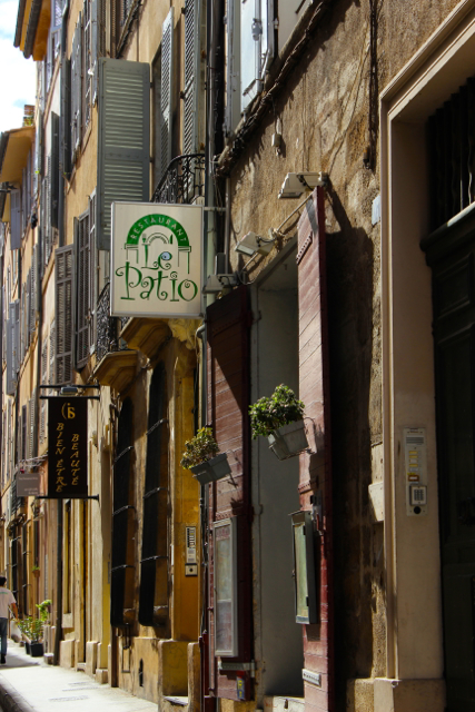 Myriad narrow streets slip away from the main square in Aix's centre ville...