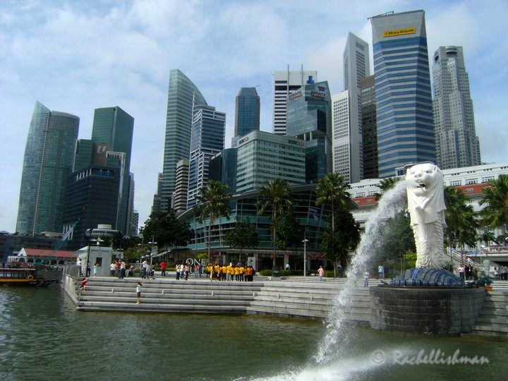 Singapore's glossy CBD, complete with lion fountains