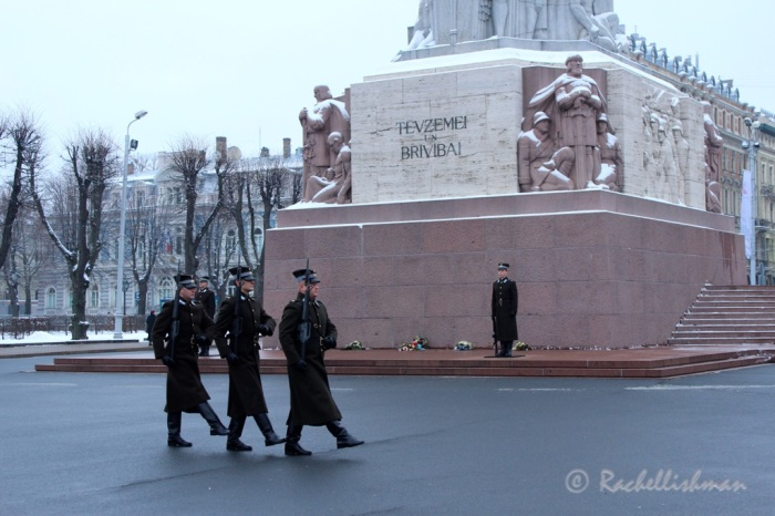 Guards are only allowed to stand at the monument in temperatures between -10 to +25. It was a balmy -1 as we passed.