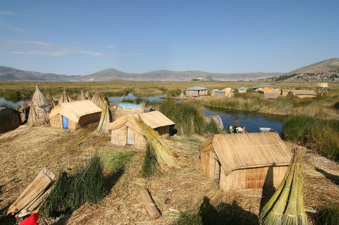 "Lake Titikaka's Reed Islands - ""Uros3"" by Cmunozjugo - Emre Safak. (Wikimedia Commons)"
