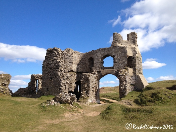 The stunning Pennard Castle - the perfect place for a picnic...